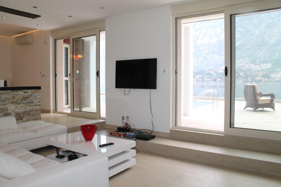 Купить квартиру в которечерногория на берегу моря
