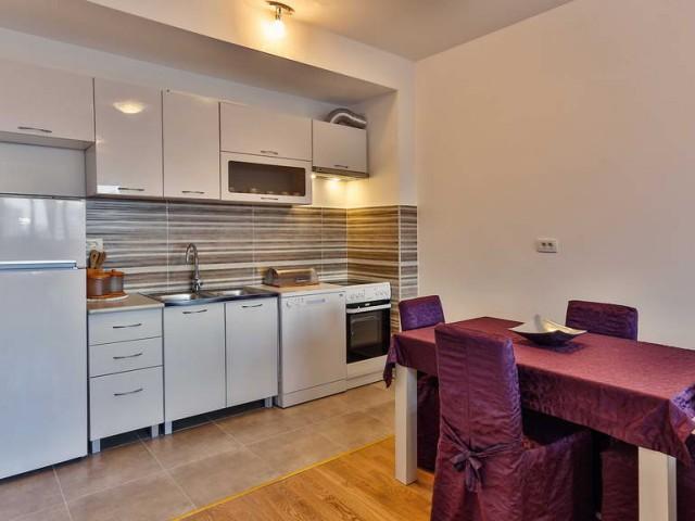 Квартира с двумя спальнями в Будве
