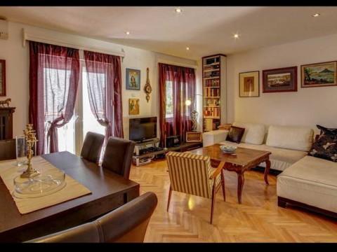 Снять недорогую квартира в Будве