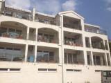 Апартаменты с бассейном и шикарным видом на море!