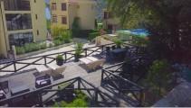 Апартаменты с патио на вилле с бассейном