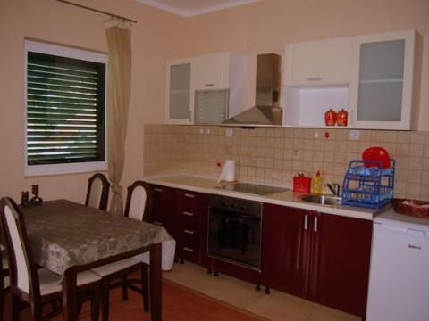 апартаменты в Тивате