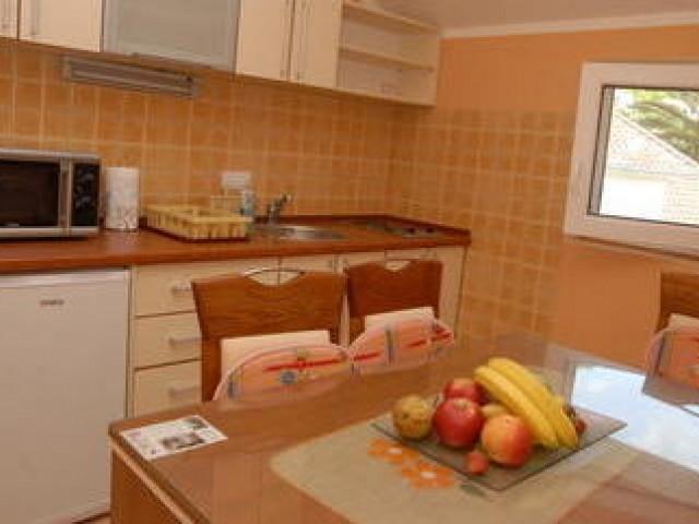 Три апартамента в местечке Донья Ластва