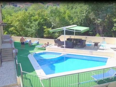 Апартаменты с бассейном в Ораховце