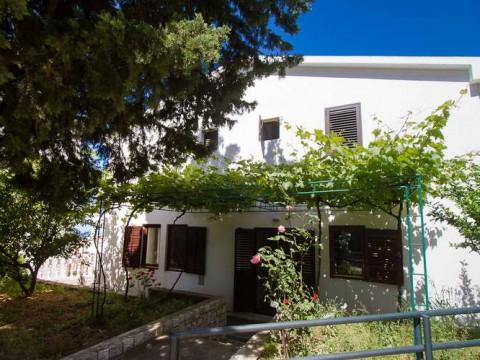 Сдается этаж дома в Петроваце