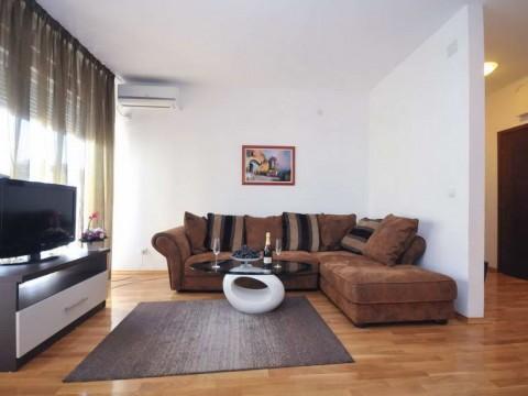 Апартаменты в центре Будвы в новом доме