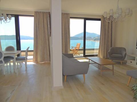 Апартаменты в Рафаиловичах с видом на море